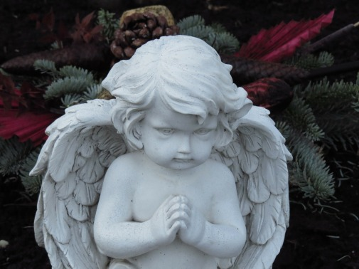 angel-figure-80168_1920
