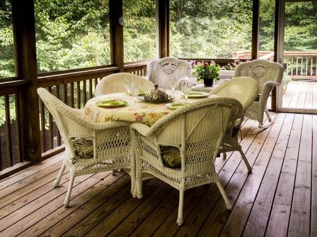 screened-porch-670263_640