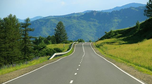 road-691124_640