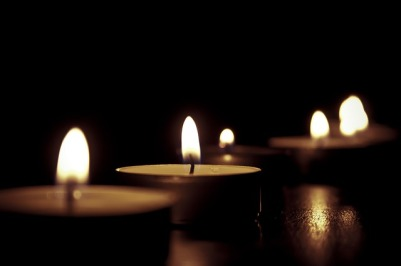 candles-209157_640