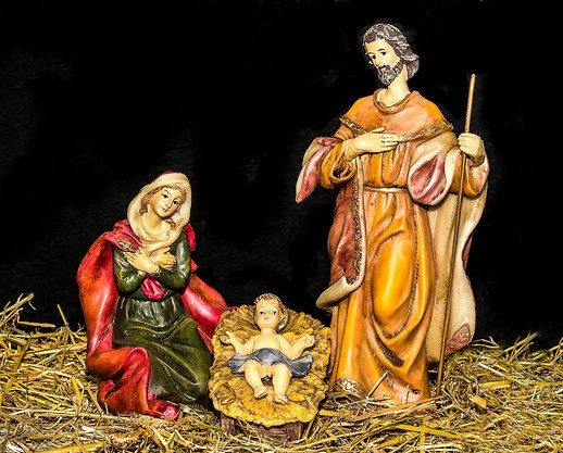 christmas-crib-figures-1904439_640