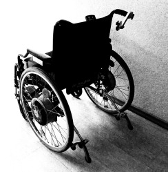 wheelchair-1589481_640