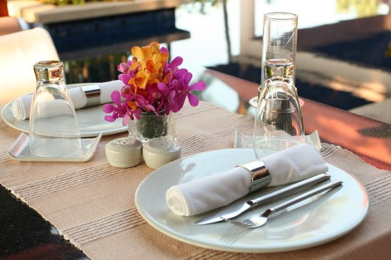 table-setting-2395450_640