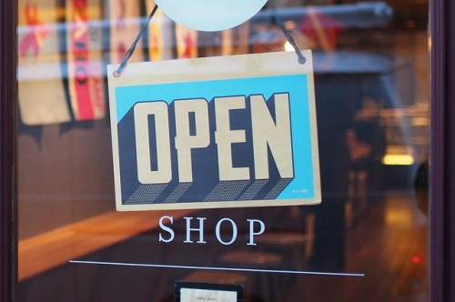 shop-2607121_640