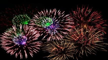 fireworks-1102871_640