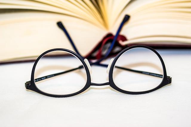 glasses-1934296_640