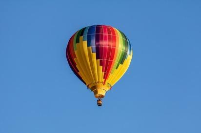 hot-air-balloon-3542903_640