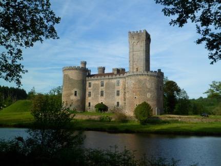 castle-1696034_640