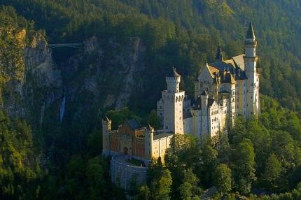 castle-2602180_640