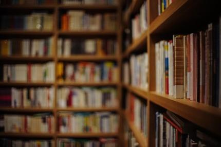 book-809887_640