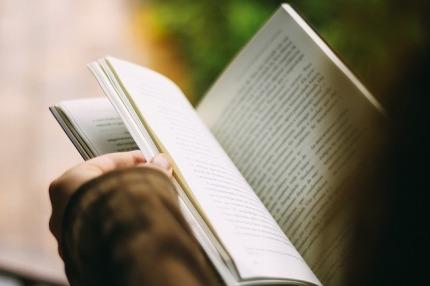 books-1149959_640.jpg