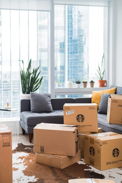 cardboard-boxes-on-living-room-3434533