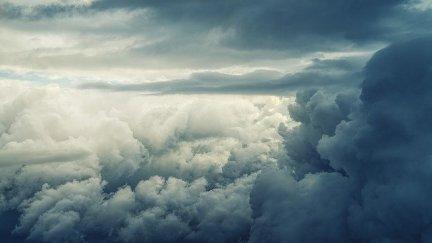 sky-4237062_640