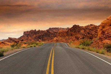 road-1303617_640
