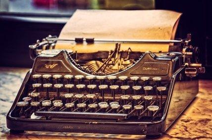 typewriter-3711590_640